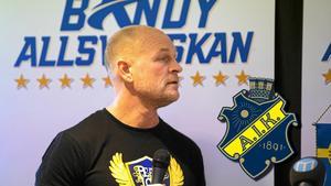 Pelle Fosshaug tar över AIK som är nykomlingar i allsvenskan.