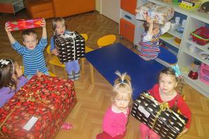 Vaggan vill att varje barn ska få en julklapp. Foto: Privat