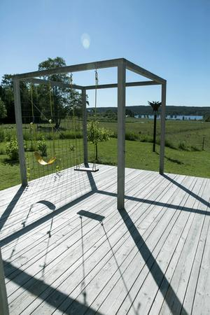 Ett hörn av terrassen är till för barnens lek.