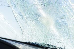 Rutor på bilar krossades på Väster. Bilden är en genrebild från annat tillfälle. Foto: Fredrik Sandberg/TT
