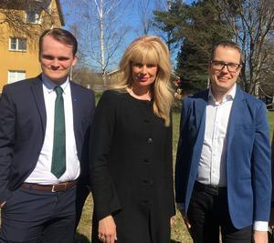 Alexander Hägg M, Regionråd i opposition. AnnCharlotte Granath M, Gruppledare och Patrik Stenvard M, Regionråd i opposition.