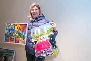 Karin Hernudd-Öhman deltar i vårsalongen med sitt måleri.