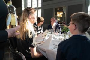 Efter ceremonin åt gästerna trerätters middag. Foto: Jakob Svärd