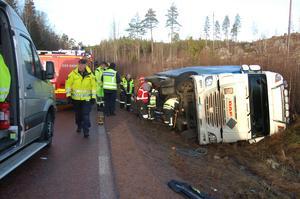 Polisens yrkestrafikgrupp  råkade befinna sig i  Äppelbo då larmet kom och var därför snabbt  på plats vid olyckan.