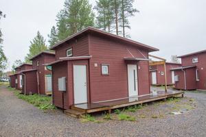 Östersundshem har fått tillfälligt bygglov på fem år för samtliga atefallshus. Det första området var Blomstergården.