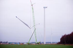Tillsammans med Kumla äger Örebro Kumbro vind AB som driver flera vindkraftverk.