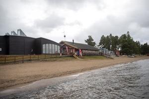 Strandbaden Camping har anställt nattvakter för att öka tryggheten för sina gäster.