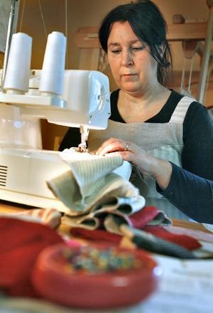 Marianne Eriksson i Nyåker Bobygden startade företaget Majas textil för tre år sedan.