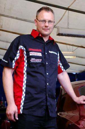 Fredrik Skärgård har fått ordentlig fart på sin Camaro, och tog sig ända till final i Street-klassen.