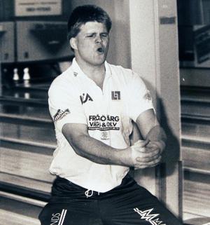Ralf Lantz var en stor profil under Arnljotstiden. En karismatisk vinnarskalle som med charm och personlighet kunde ta över en hel bowlinghall. Höll under sina bästa stunder A-landslagsklass. Foto: Gunno Rask