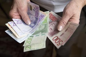 J Torben Staehr menar att aktieutdelningar är dåligt för ekonomin. Låt pengarna i stället stanna i  företagen för att återinvesteras.
