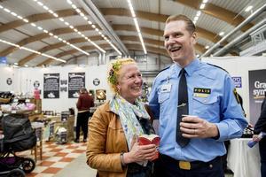 Jenny Fisk och polisen Josef Wiklund strålade samman på mässan av en slump.