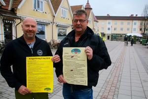 Stefan Axelsson och Arne Lundgren, ordförande respektive kassör i Labbås Car &bike, vill gärna se fler lokala utställare under Motorlördag.