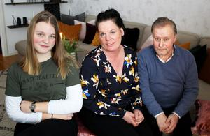 Alva, Marie och Lars har bott i lägenheten i två år. Maries son Jamie bor också här.