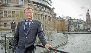 Lars Beckman tog under fredagen upp vargfrågan  i Riksdagen. Bild: Arkiv