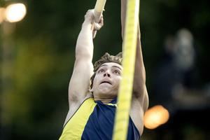 Armand Duplantis satte nytt stadionrekord med 5,90. Foto: Björn Larsson Rosvall/TT