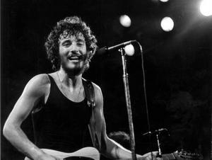 1975 tar Bruce Springsteens karriär fart på allvar. Då släpper han albumet