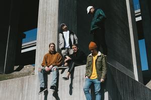 Hiphopkollektivet Tjuvjakt bildades 2012 och släppte debutalbumet