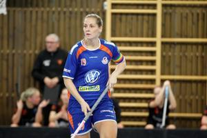 Johanna Persson lämnade Strömsbro mitt under säsongen för att ansluta till Storvreta i division 1 för att hjälpa Uppsalaklubben upp till allsvenskan, vilket hon lyckades med. Nu har hon återförenats med sina lagkamrater från Strömsbro, fast denna gång i Sätra.