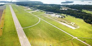 Västerås flygplats har nu fått tillstånd att ha fler avgångar. Foto: Rune Jensen