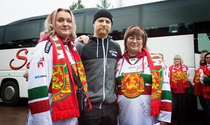 Mia Strand, Daniel Ljunggren och Carina Kronquist, alla tre innan avfärden mot Timråmatchen.