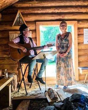 Stefan Ström & Gabriella Lindvall spelade på Rombovallen. Foto: Privat