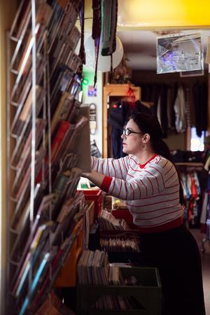 Caroline Wikström och maken Angelo Tiitto öppnade vintagebutiken Tornado Silver Vintage Enviken 2012.