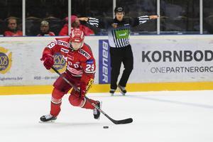 Victor Aronsson kommer att ikläda sig en rödvit tröja även nästa säsong – men inte Modos utan Almtunas. Bild: Jonas Forsberg/Bildbyrån