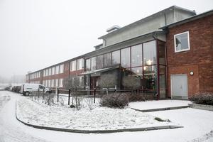 Flera föräldrar som har barn på Svärdsjöskolan är förtvivlade över de försämrade busstiderna.