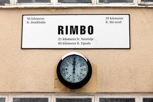 Det är dags för Region Stockholm att utreda en återutbyggnad av Roslagsbanan från Kårsta till Rimbo så att dess invånare och framtida Rimbobors kollektivtrafik tillgodoses, skriver Msciwoj Swigon, Andrea Kronvall och Fredrik Lindahl. Foto: Stig-Göran Nilsson.