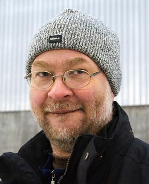 Tord Liljekvist, 51, läkare, Sundsvall.– Det finns både för- och nackdelar. Det är fint ute i Bergsåker, samtidigt finns det fördelar med att ha allt samlat här ute.