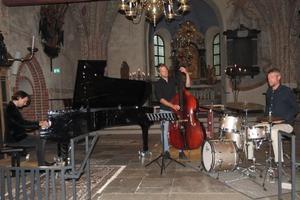 Hela fina trion. Foto: Max Möllefält