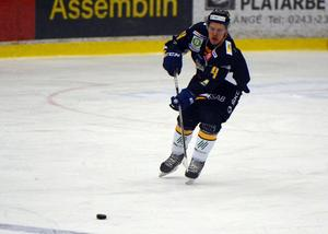 Mattias Nilsson i Borlängetröjan.
