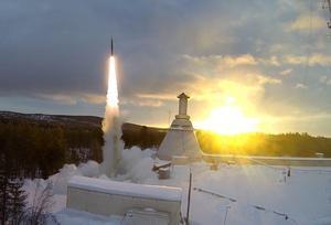 Bild: EsrangeSvenska rymdaktiebolaget i Kiruna erbjuder plats i en raket för den avlidnes aska.