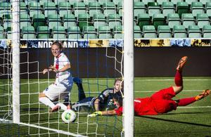 Ida Brännström sköt in 2–1 till SDFF från snäv vinkel i den första halvleken.
