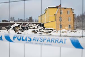 Efter att branden släckts ordentligt spärrades brandområdet av, och på måndagen, lite mer än tre dygn efter att branden utbröt, kunde polisen genomföra en teknisk undersökning.
