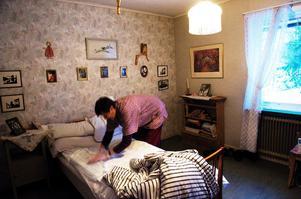 Personal i hemtjänsten måste snabbt kunna förflytta sig mellan olika bostäder. Men en allt större grupp saknar körkort.