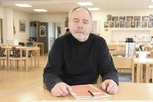 Cancerdrabbade Kenneth Rubensson skäms inte längre för att tala offentligt. På Tullbomsgården i Gävle höll han nyligen en föreläsning om sin resa genom sjukvården.