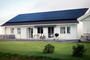 Ronny Eriksson och Renée Hovdebys villa i nedre Torvalla.