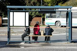 Om kollektivtrafikmyndigheten i Västernorrland ansvarar för allt kring kollektivtrafiken skulle vi slippa alla skillnader mellan kommungränserna, skriver signaturen
