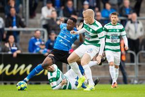 Simon Johansson under matchen mot Halmstad. FOTO: Bildbyrån.