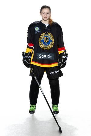 Foto: Lars-Åke Johansson/Södermanlands  Ishockeyförbund.  Thilda Jarnulf.