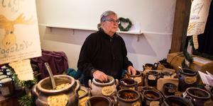 Inger Hellberg sålde Ängagårds ekologiska kryddor.
