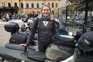 Ida Andreasson åkte i kortegen med pojkvännen men hon håller på att ta eget körkort och hoppas att bli klar i sommar.