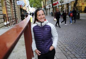 Äventyraren Johanna Davidsson från Tromsö förberedde en av sina expeditioner i länet 2013. I veckan var hon tillbaka i Östersund för att delta i ett samtal om klimat och turism och samtidigt marknadsföra sin bok om sin Sydpolsexpedition.