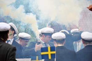 Årets studentfirande blir annorlunda jämfört med tidigare år på grund av pandemin. Firandet hålls helt och hållet på Aleholm, och eleverna delas upp i tre olika grupper.