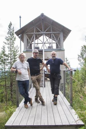 Nu gör sig Staffan Michelson redo för etapp nummer två tillsammans med byggarbetaren Anders Jonsson och vägbyggaren Stefan Landin.