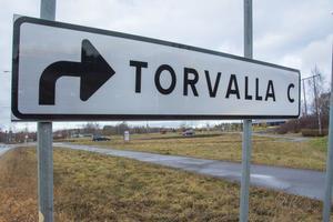 Torvalla har knappt vuxit på tio år. Befolkningen har ökat med 500 personer och det är i huvudsak 65-åringar och äldre som står för inflyttningen.