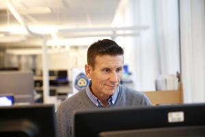 """Johan Allard gillar sitt yrke – """"Jag har snart 40 år i verket och har i princip tyckt det varit roligt att gå till jobbet varje dag"""", säger han."""