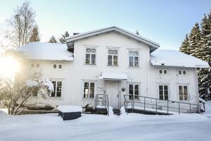 Det gamla huset på Änge gården har anor från 1800-talet och var bland annat kompositören Wilhelm Petterson Bergers bostad under en period.